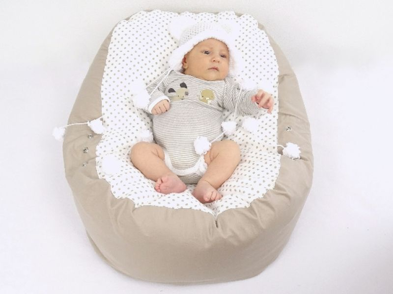babyliegekissen-beige-punkte-baby-1-6c6d7c1a (1)