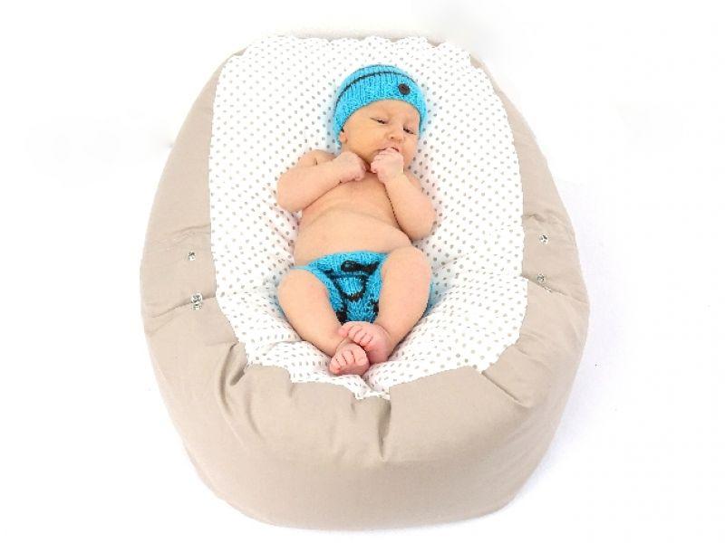 babyliegekissen-beige-punkte-baby-3-35f7defb (1)