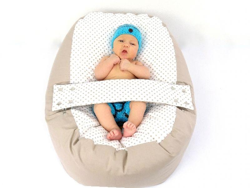 babyliegekissen-beige-punkte-baby-4-b48e715e (1)