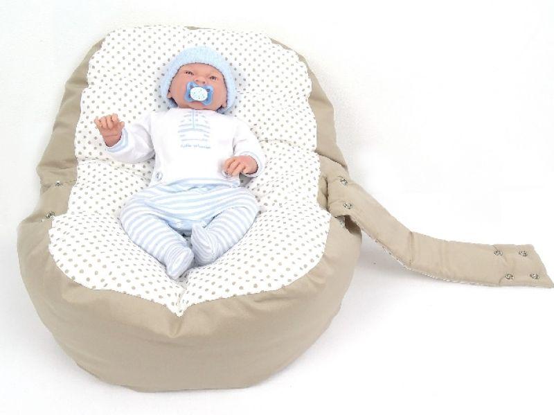 babyliegekissen-beige-punkte-mit-baby-2-b17ca98e (1)