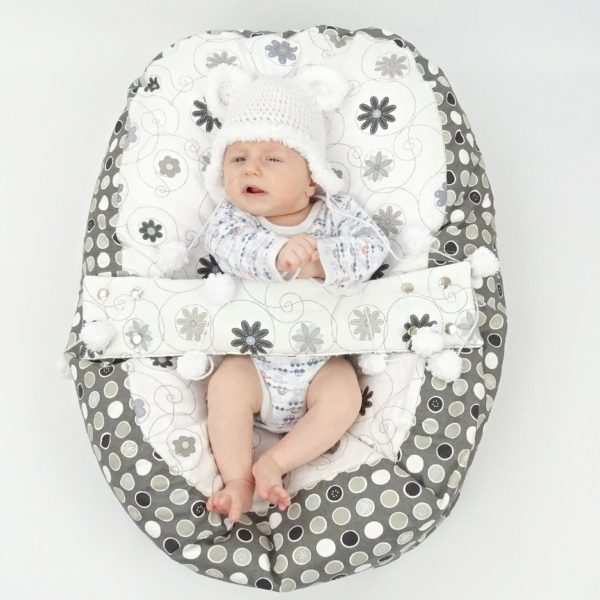 Liegekissen grau-weiß für Babys und Frühchen