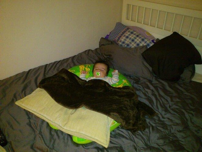 baby-liegekissen-bara